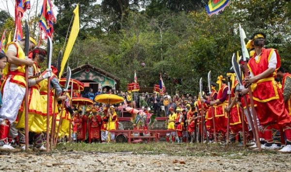 Độc đáo lễ rước sinh thực khí ở Lạng Sơn, du khách ngượng đỏ mặt