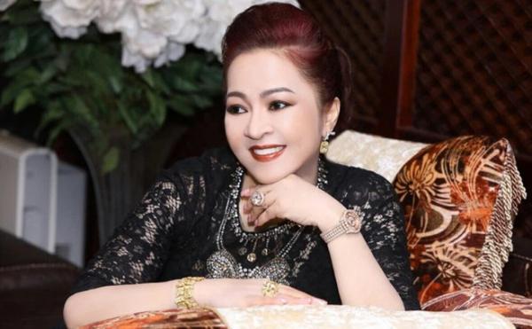 """Bà Phương Hằng tuyên bố kiện ngược bà Giàu: """"Có 100 bà Giàu kiện tôi, tôi cũng không sợ"""""""