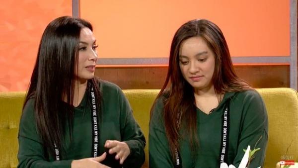 Phi Nhung bị bà Phương Hằng tố bỏ bê con cái, netizen đào lại khoảnh khắc con gái ruột bật khóc vì bị cô phủ nhận sự tồn tại?