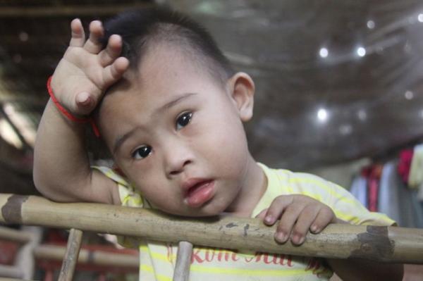 Trà Vinh: Mẹ khờ khạo sinh con trai không biết nói cười, câu nói của người bố khiến ai cũng xót thương